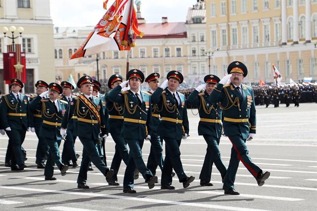 9 мая  на Дворцовой площади состоялся парад, посвящённый 72-годовщине Победы Советского народа в Великой Отечественной войне.