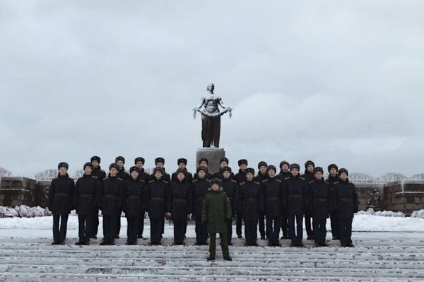 Командование и курсанты Военно-медицинской академии приняли участие в памятных мероприятиях, посвященных полному снятию блокады Ленинграда