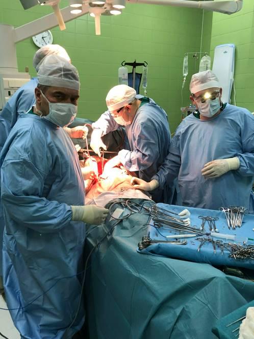 17. Этапы формирования артериального анастомоза по типу конец-в-конец