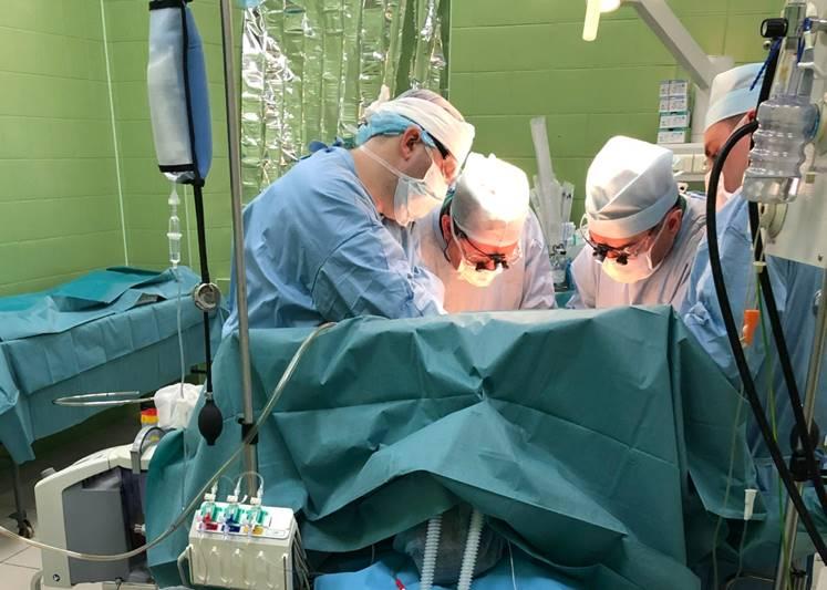 В период с 23 по 24 апреля 2019 г. в клинике госпитальной хирургии хирургической бригадой в рамках оказания медицинской помощи за счет средств бюджета МО РФ выполнена ортотопическая трансплантация печени