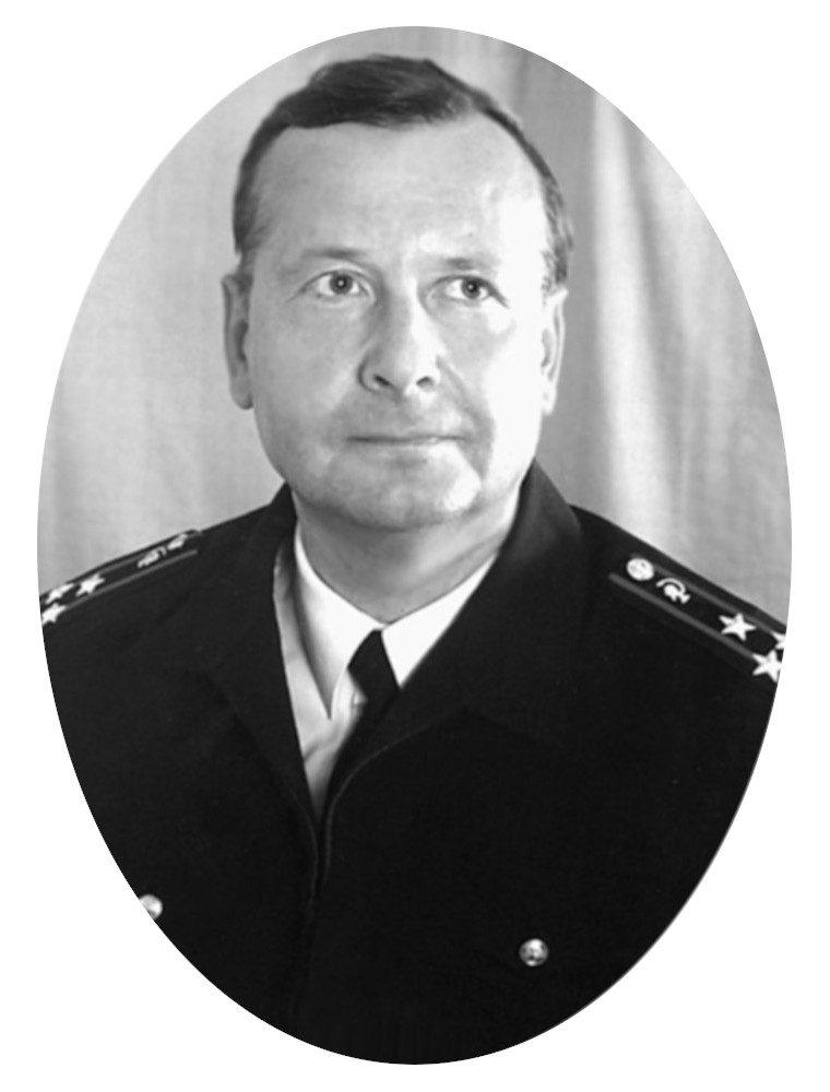 ЛОБЗИН Юрий Владимирович