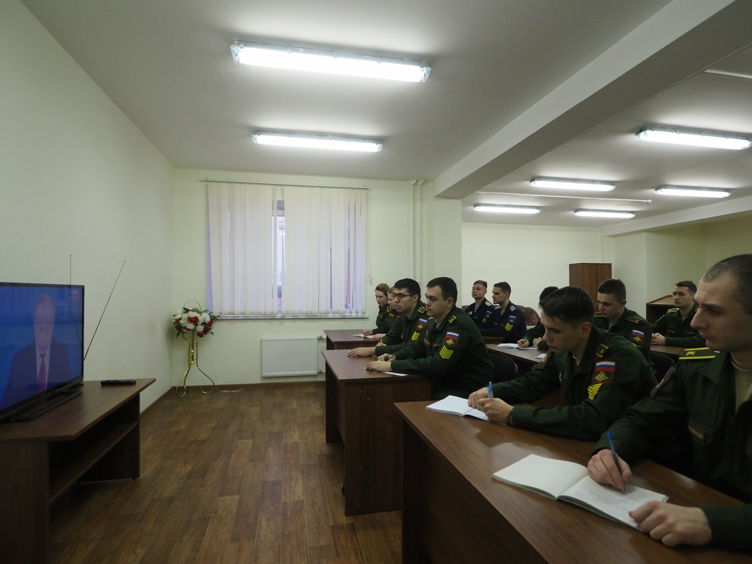 Личному составу  Военно-медицинской академии была обеспечена возможность увидеть ежегодное послание Президента России Владимира Путина Федеральному собранию