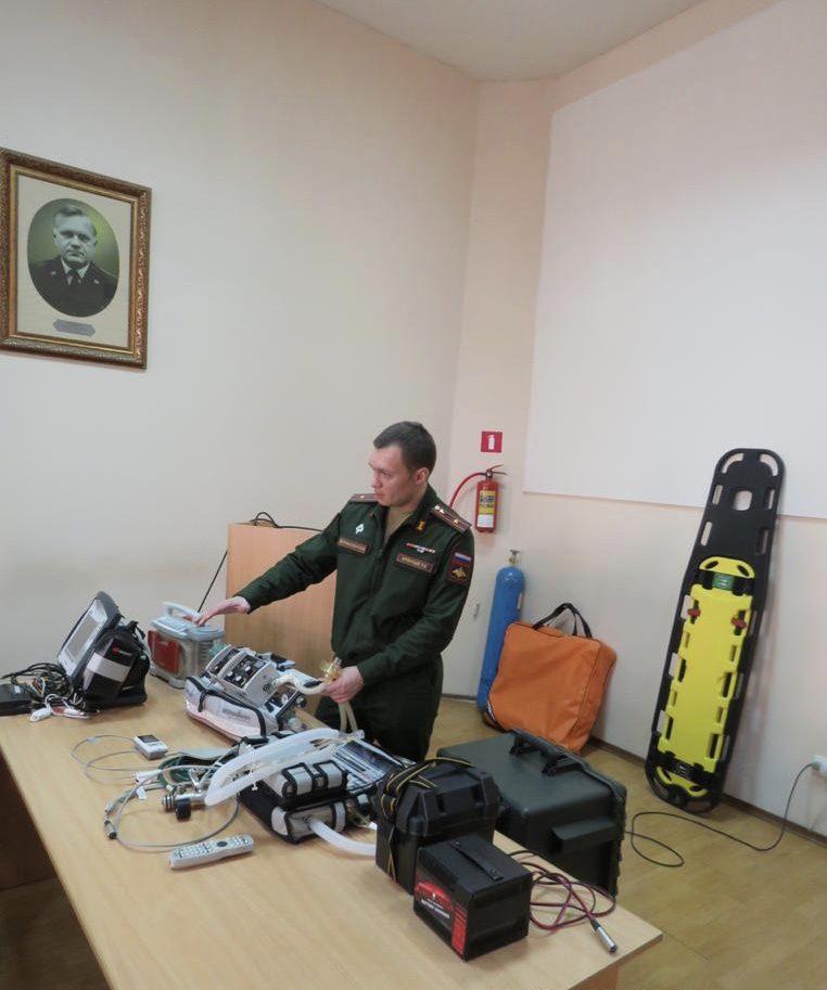 В Военно-медицинской академии провели тренировку по применению модуля медицинского самолетного (ММС), для возможной эвакуации пациентов с коронавирусом