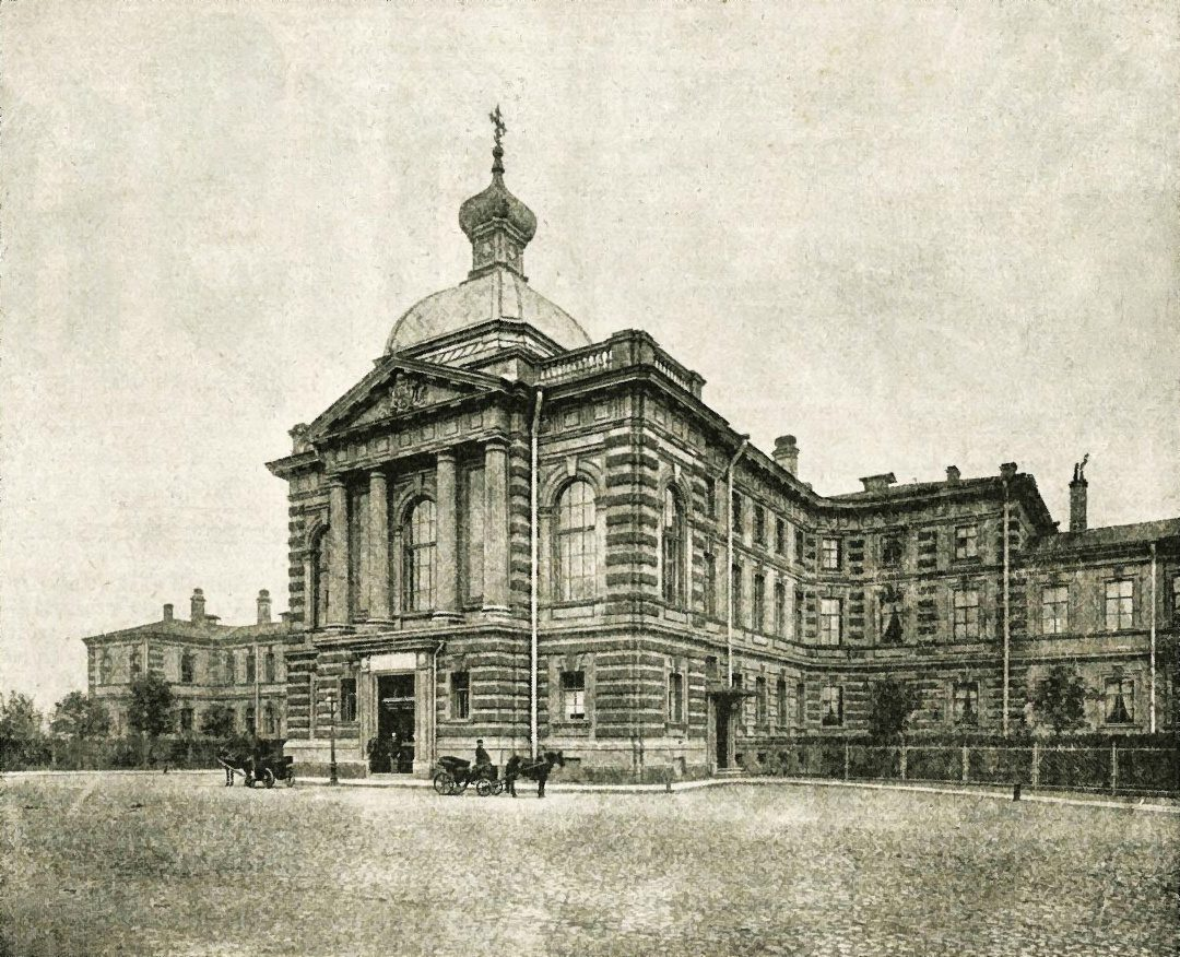 3 июня (21 мая) 1885 года в Санкт-Петербурге был торжественно открыт Клинический институт великой княгини Елены Павловны