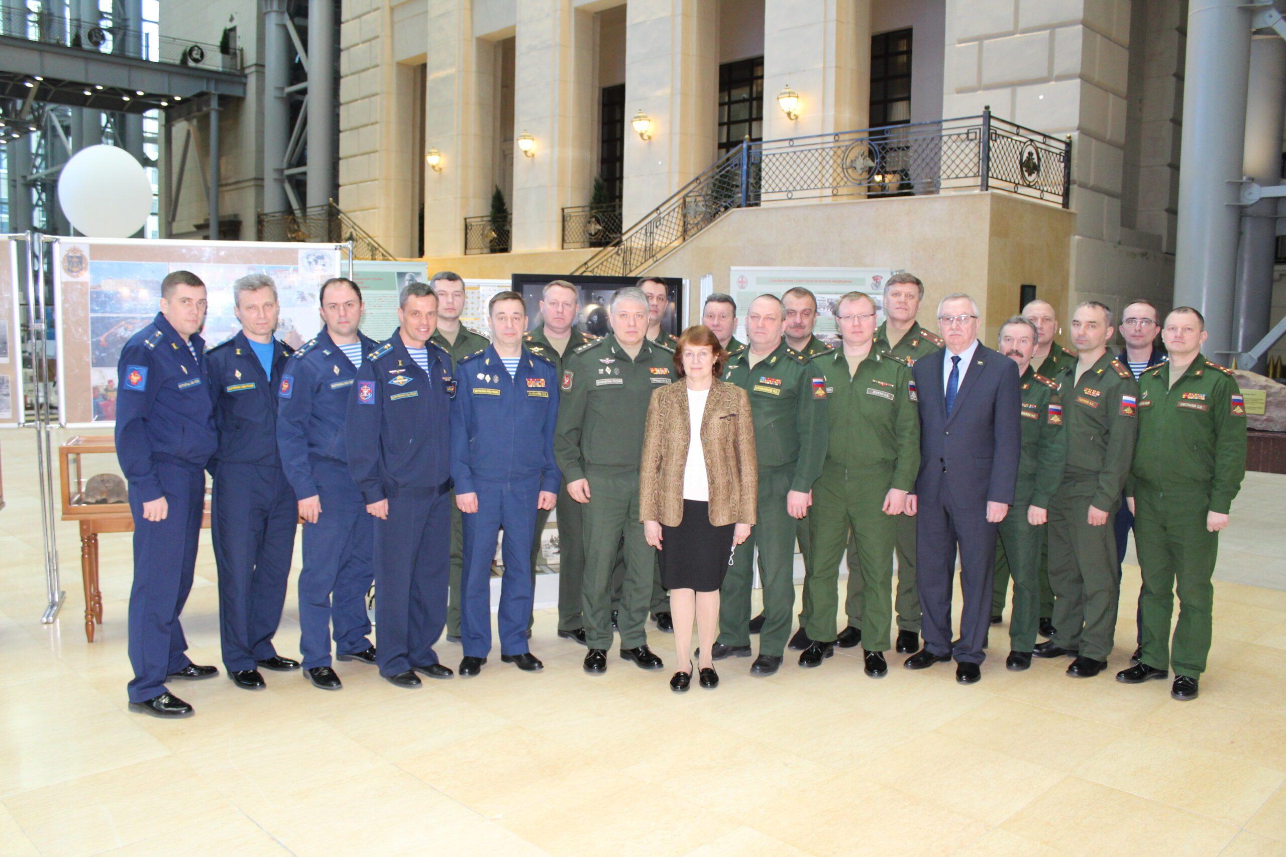 Военно-медицинская академия представила экспозицию на выставке в Москве